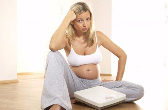 Ученые рассказали, почему нельзя переедать во время беременности