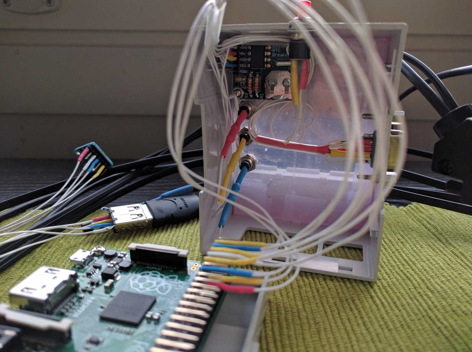 Как я читал показания датчиков через SNMP (Python+AgentX+systemd+Raspberry Pi) и соорудил ещё одну мониторилку - 15