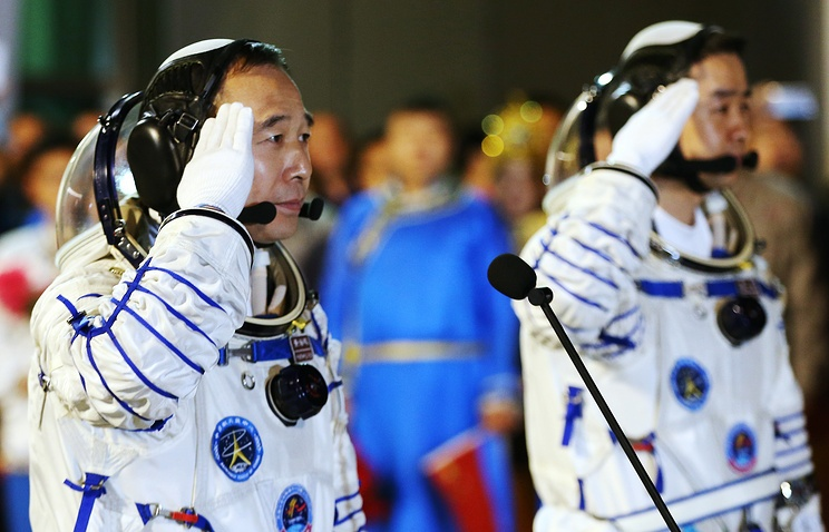 Тайконавты успешно перешли на станцию «Тяньгун-2» - 1
