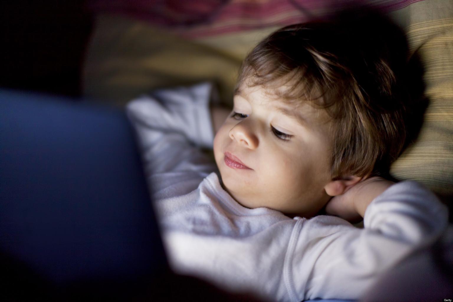 Американские педиатры стали более терпимыми к электронным устройствам в руках детей - 1