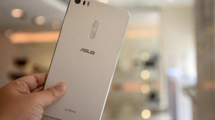 Asus и HTC нарастили продажи смартфонов в квартальном выражении