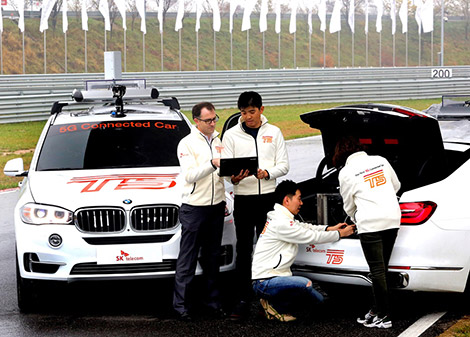 BMW создала два автомобиля T2 с оборудованием 5G