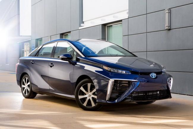 Toyota и Mazda собираются выпускать электрические авто