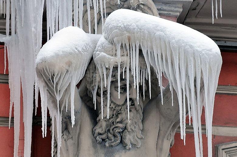 Лед и ветер. Как решаются климатические задачи для самого северного небоскреба мира - 1