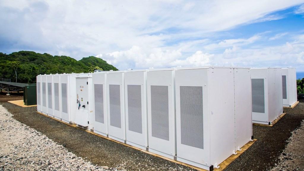 Tesla и SolarCity обеспечили энергией целый остров - 3