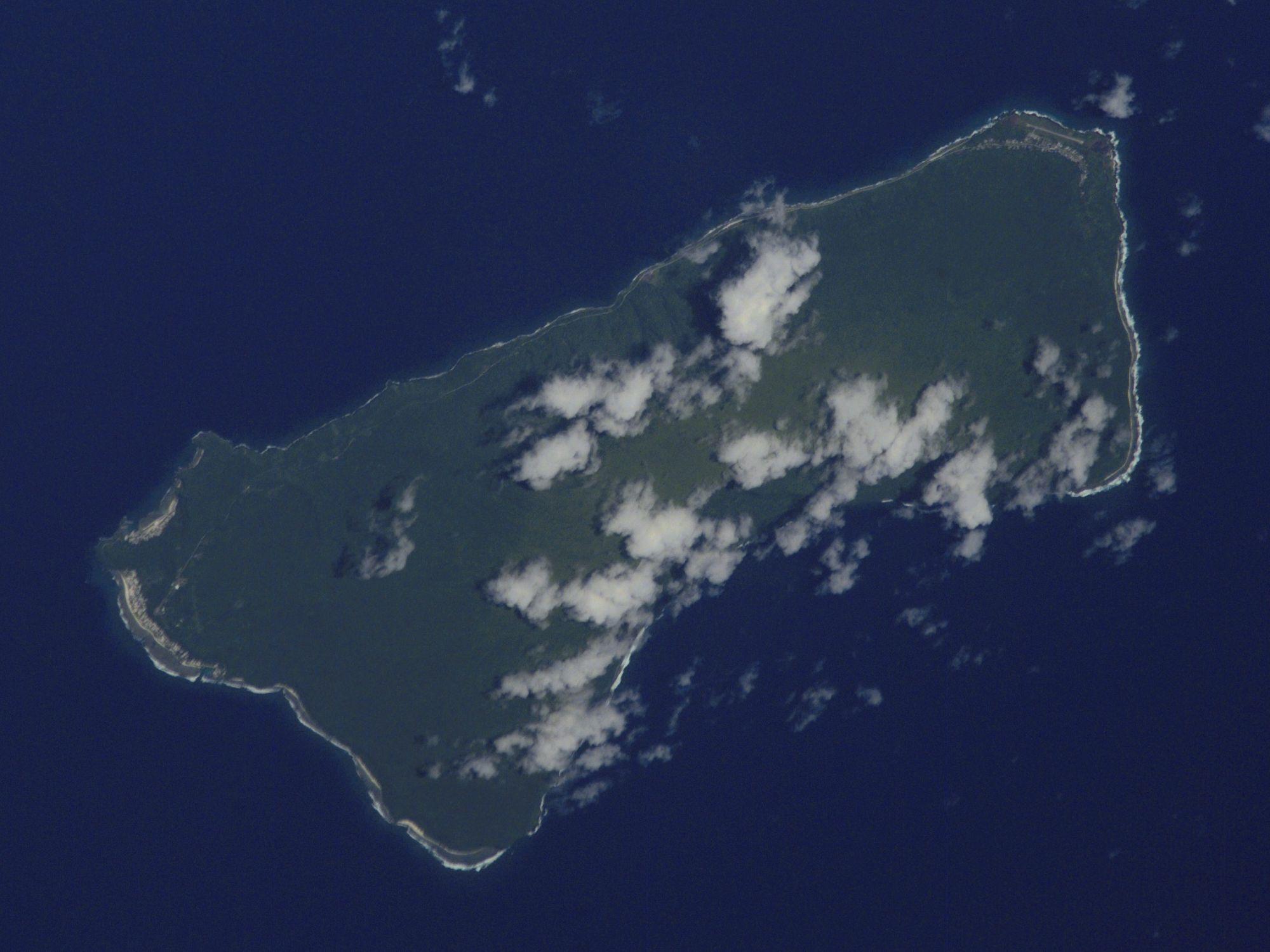 Tesla и SolarCity обеспечили энергией целый остров - 1