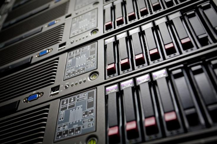 По итогам квартала лидером на рынке хранилищ данных является Dell с долей 25,5%