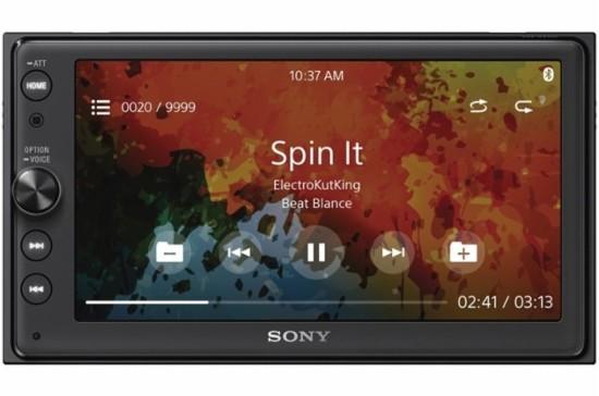 Головное устройство Sony XAV-AX100 с поддержкой Apple CarPlay и Android Auto поступило в продажу с небольшой задержкой