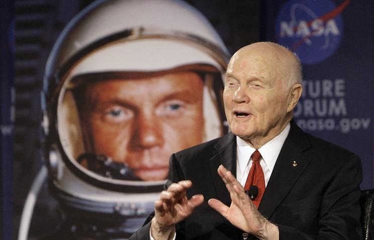 Умер Джон Гленн, первый американец, совершивший орбитальный полет - 3