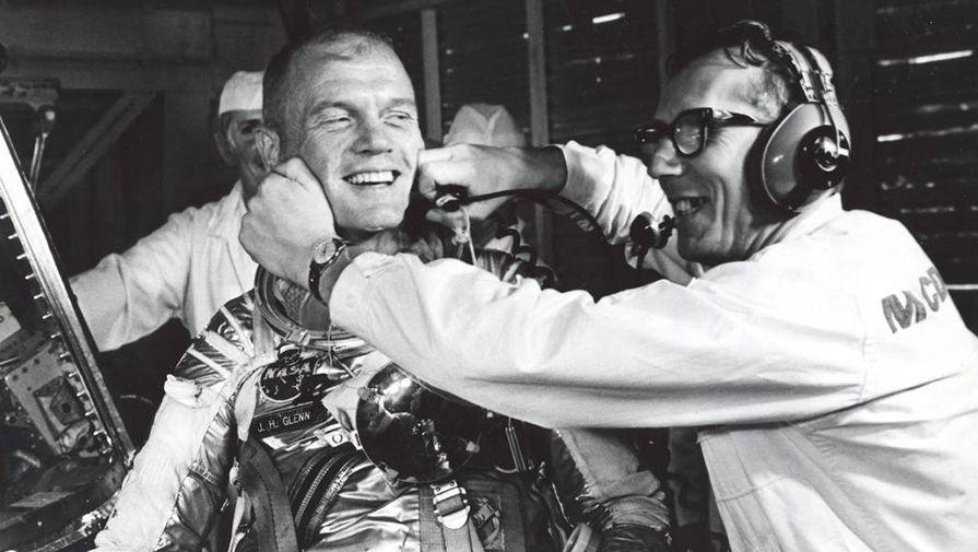 Умер Джон Гленн, первый американец, совершивший орбитальный полет - 1