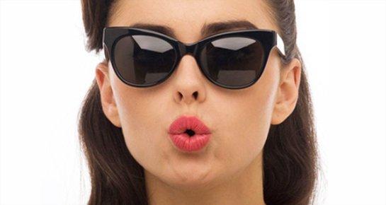 Людям стоит носить солнечные очки даже зимой