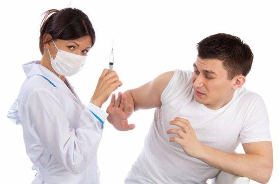 Ученые рассказали о мифах, которые придумали о прививке от гриппа