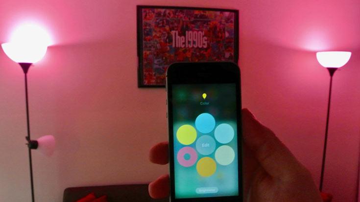 Лампочка Sylvania Smart Multicolor A19 поддерживает платформу Apple HomeKit