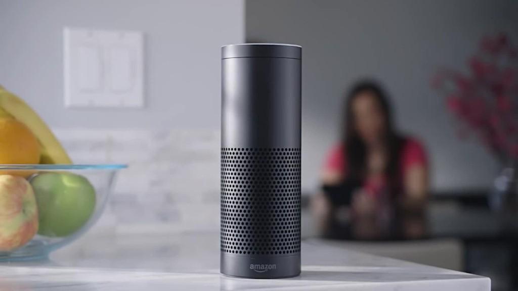 Полиция хочет допросить Алексу из колонки Amazon Echo по делу об убийстве - 1