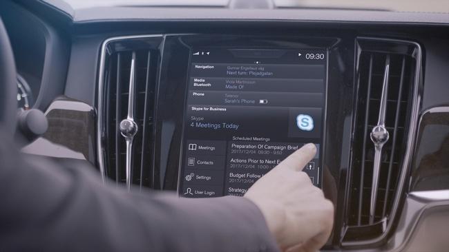В мультимедийных системах автомобилей Volvo появятся Skype и Cortana