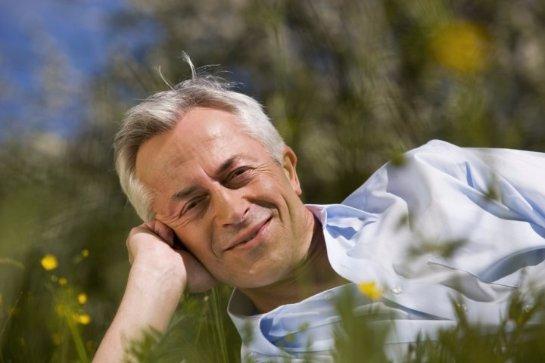 Большинство мужчин начинают чувствовать себя счастливыми только после 50 лет