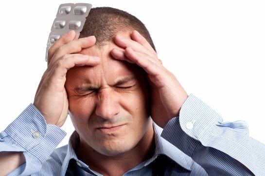 Головная боль может возникнуть из-за недостатка витамина Д