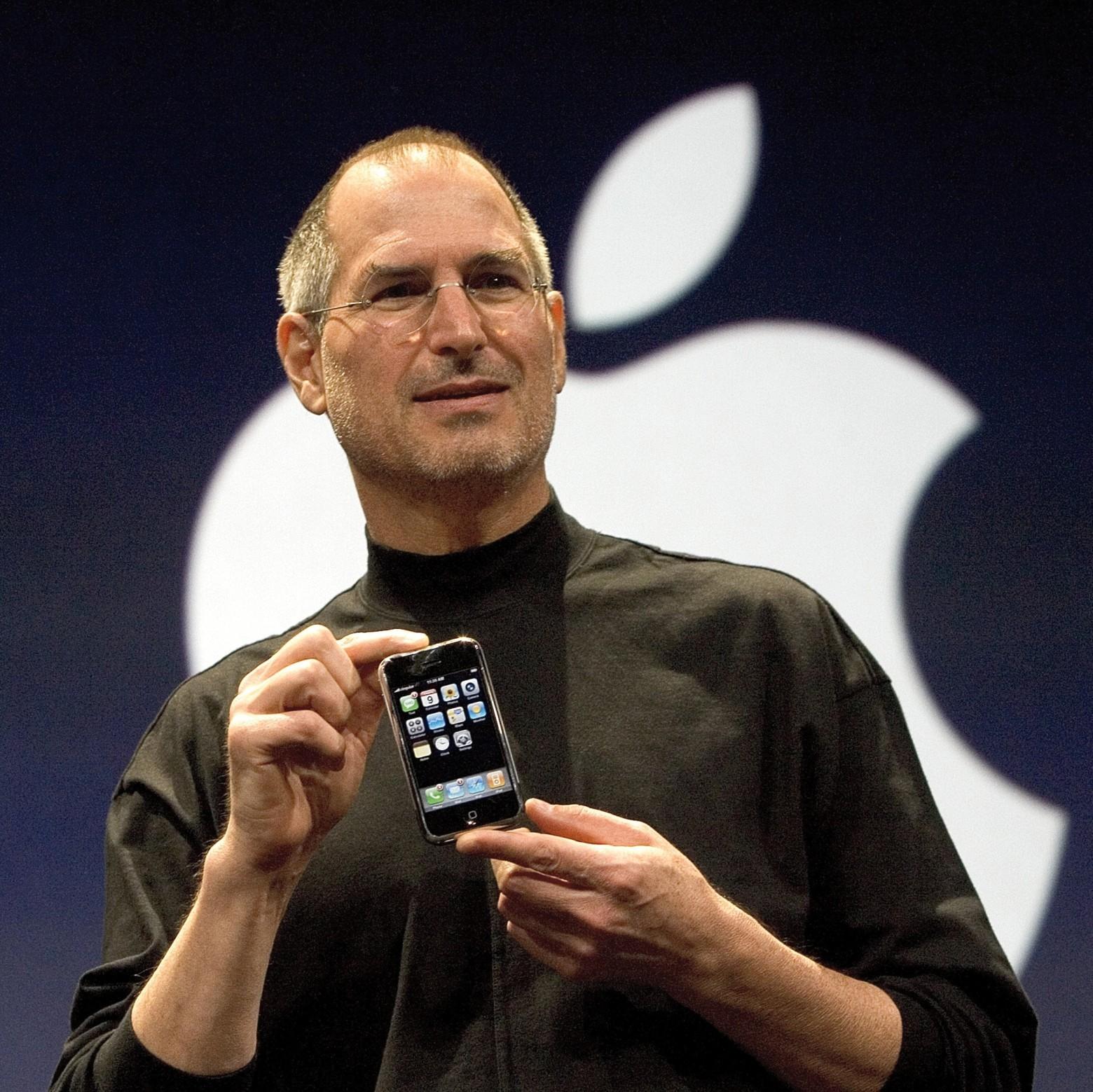 10 лет назад мир увидел iPhone - 1