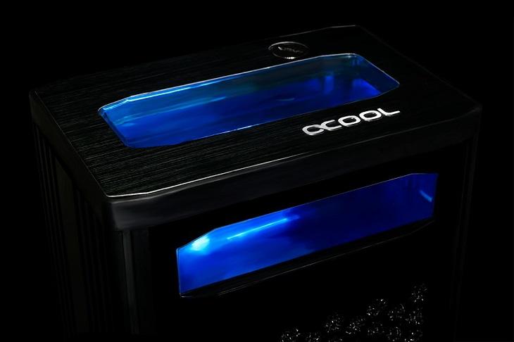 СВО Alphacool Eiswand 360 основано на керамических помпах DC-LT