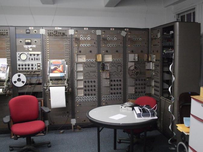 Тернистый путь эволюции синтезаторов: монстры 50-х, «Вояджер» Моога, цифровая революция от Чоунинга и Курцвейла - 6