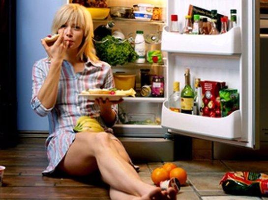 Прием пищи в ночное время портит память
