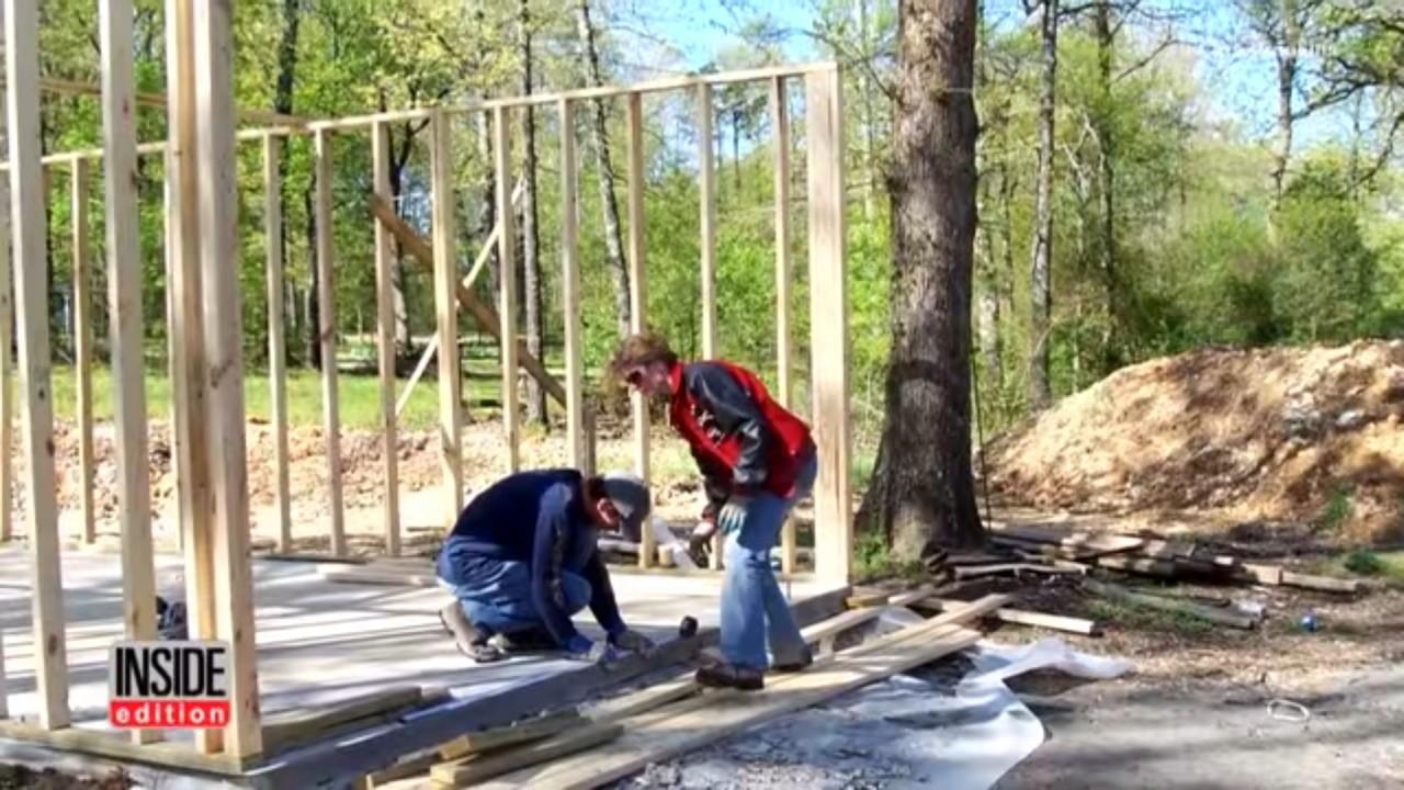 Женщина построила дом по руководствам с YouTube - 4