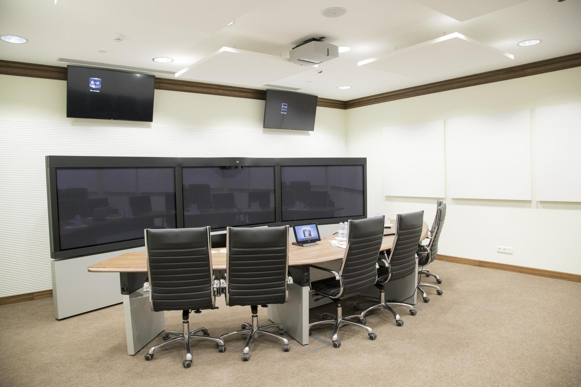 Видеоконференцсвязь для одной государственной организации: почему нужны аппаратные решения - 1