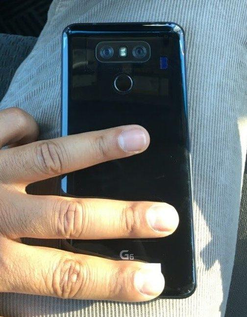 Фото дня: смартфон LG G6