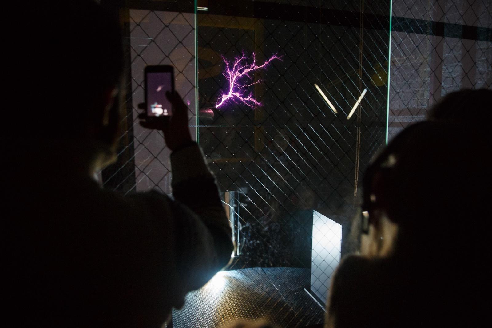 Как Тесла встретился с Ландау, или Гайд по строительству комнаты высоких энергий - 40