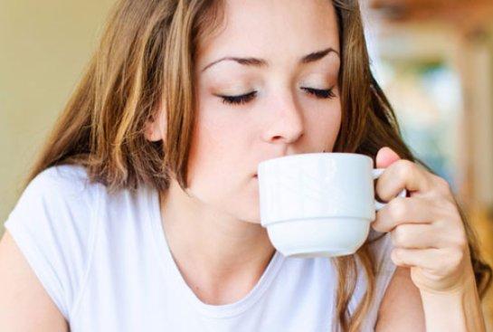 Мочевая система женщины повреждается кофе