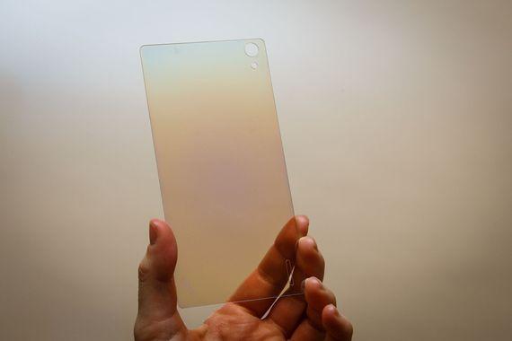 Смартфон с алмазным защитным стеклом Mirage Diamond Glass появится на рынке в этом году