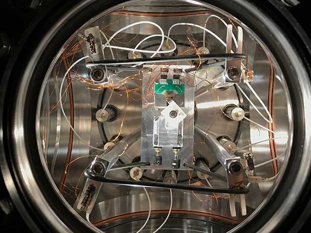Исследователи из IBM провели измерение теплопроводности через одноатомный контакт - 1