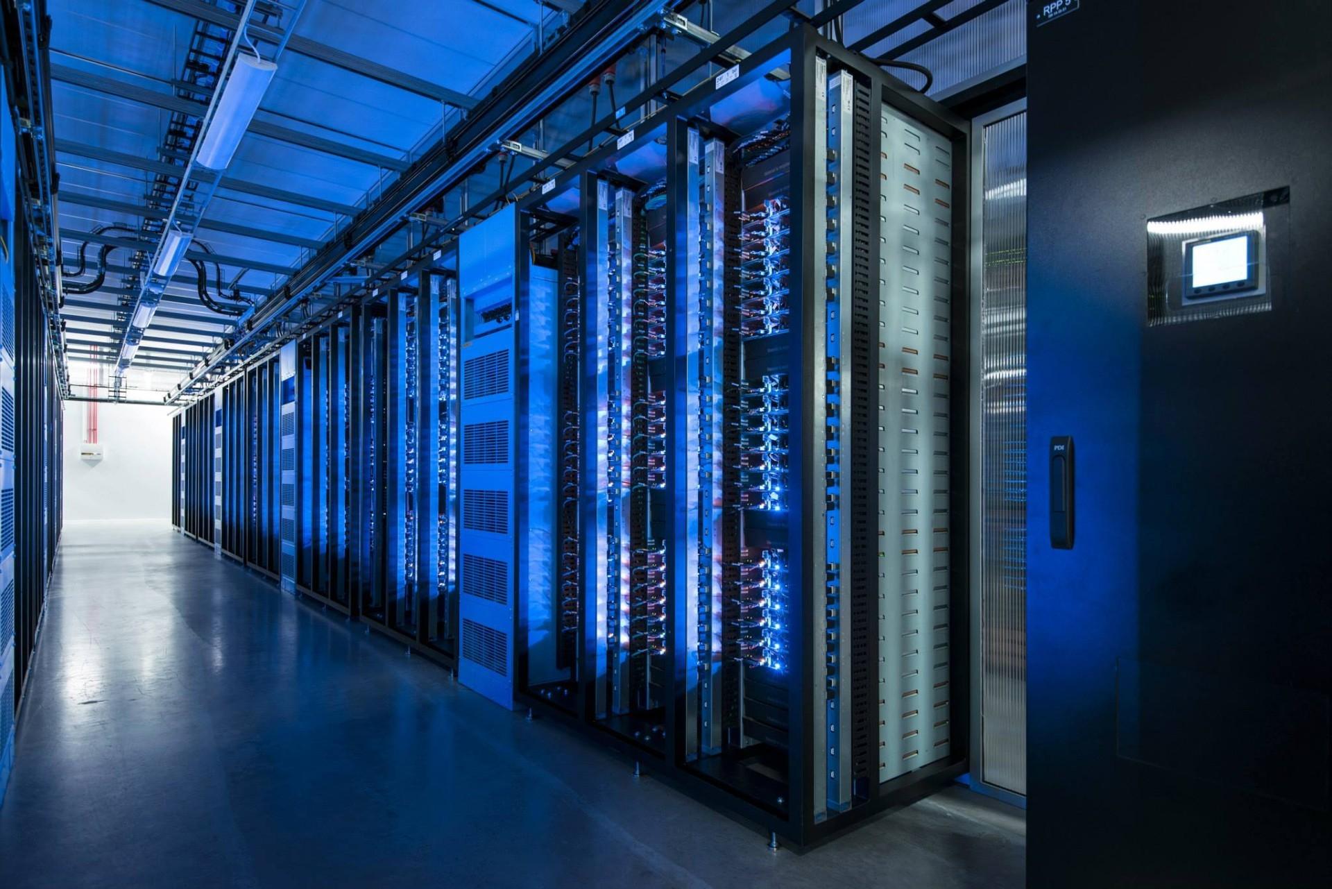 Facebook обвиняют в плагиате дата-центров - 2