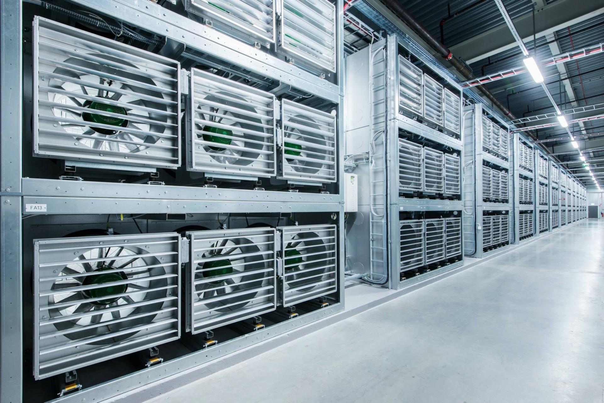 Facebook обвиняют в плагиате дата-центров - 7