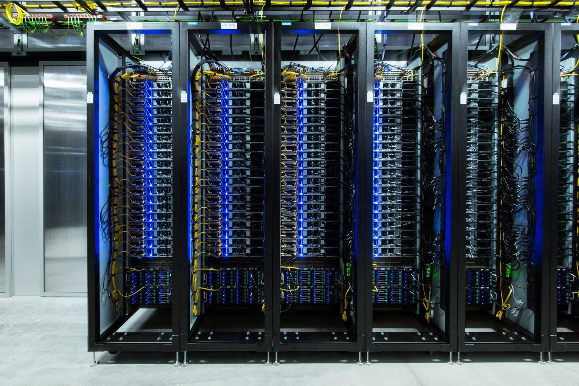 Facebook обвиняют в плагиате дата-центров - 9