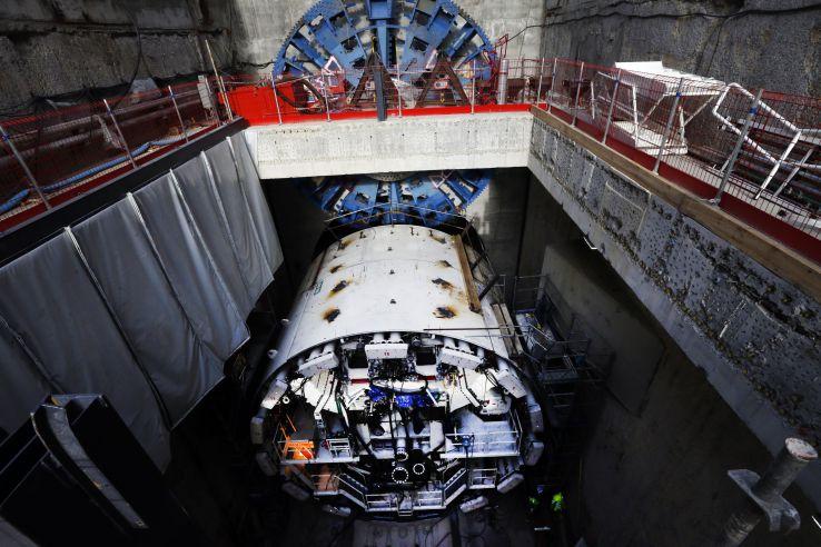 Илон Маск рассказал, зачем он занялся бурением тоннелей - 1