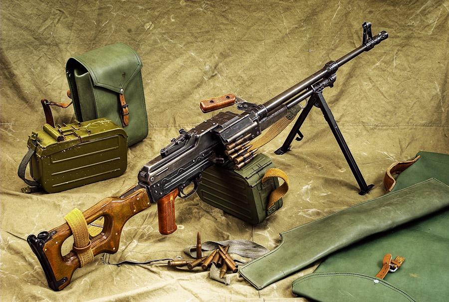 Днем, картинки воинские оружия
