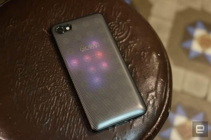 Ожидается, что цена Alcatel A5 LED будет лежать в диапазоне 150-200 долларов