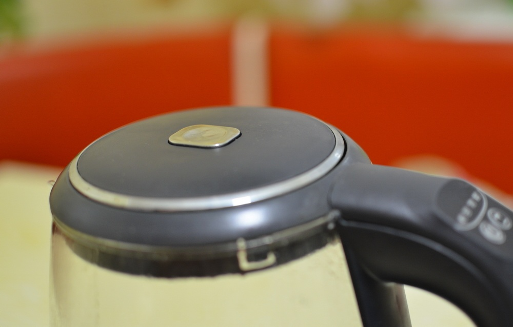 Умный чайник с разноцветной подсветкой: обзор REDMOND SkyKettle G200S - 6