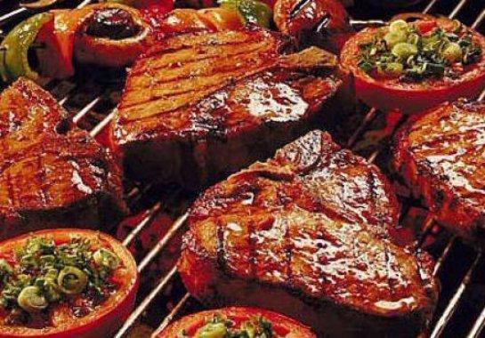 Газированная вода и красное мясо очень вредят женской груди