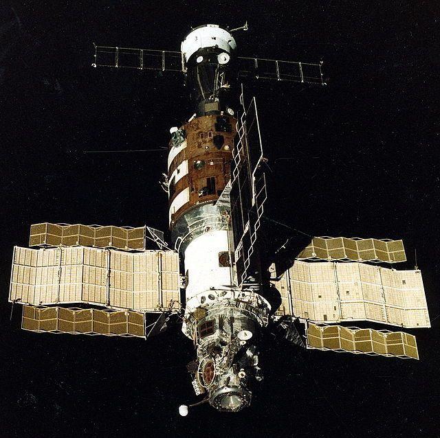 Как на самом деле сближались со станцией «Салют-7» - 1