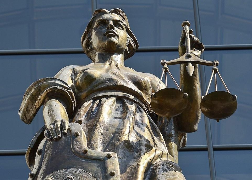Верховный суд считает, что посты в социальных сетях могут вредить репутации - 1