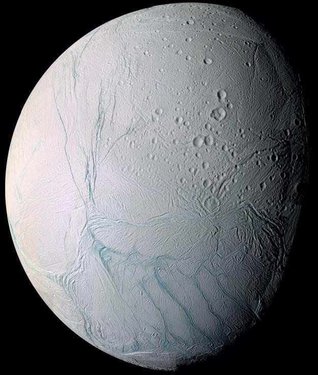 Европейское космическое агентство: поверхность Энцелада прогревается изнутри - 2