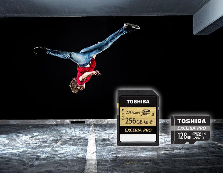 Так выглядели карточки Toshiba Exceria Pro в момент анонса