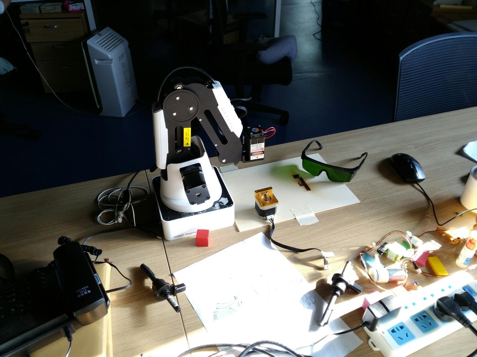 Обзор SCARA-based робота-манипулятора Dobot M1 или как совместить паяльного робота и тестомешалку - 3