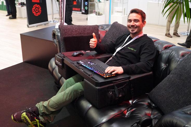 В ассортименте Nerdytec есть несколько вариантов Couchmaster, различающихся оформлением