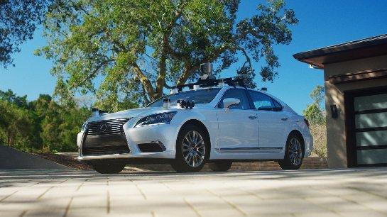 Toyota представила беспилотный самообучающийся автомобиль