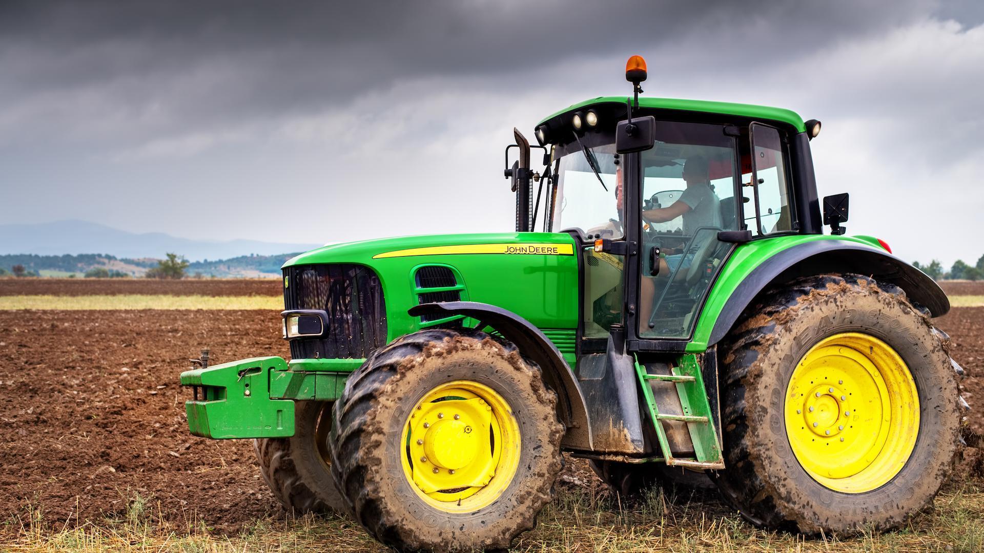 Американские фермеры взламывают и устанавливают украинскую прошивку на тракторы - 1