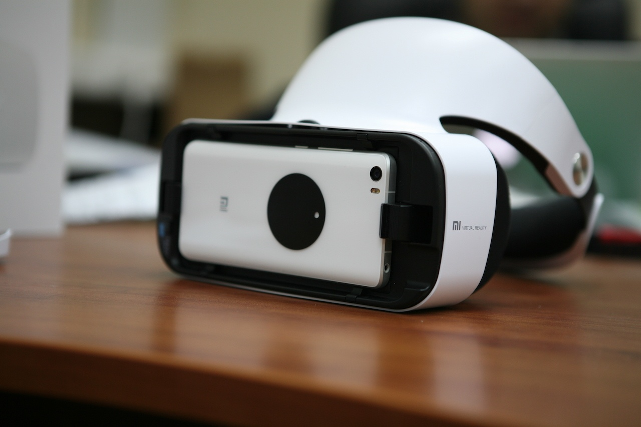 Гарнитура Xiaomi VR 2: Samsung Gear VR, но вдвое дешевле - 7