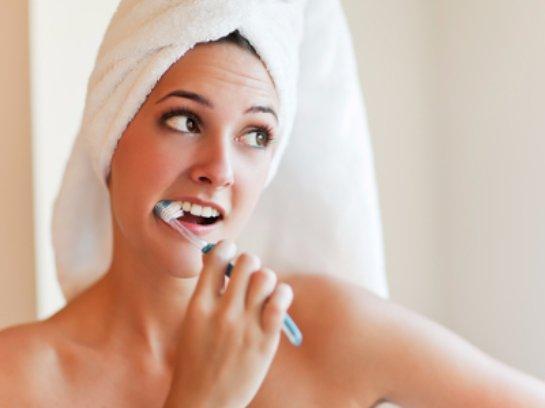 Ученые из Америки считают, что зубы нельзя чистить слишком часто